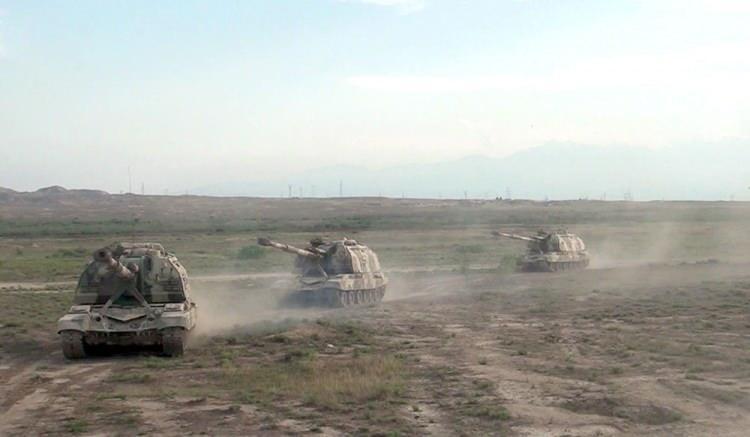 <p>Ermenistan ordusunun saat 06.00 sıralarında cephe hattı boyunca geniş kapsamlı provokasyonda bulunarak Azerbaycan ordusunun mevzilerine ve sivil yerleşim birimlerine büyük çaplı silahlar, top ve havanlarla ateş açması üzerine siviller köylerini terk etmeye başladı.</p>  <p></p>