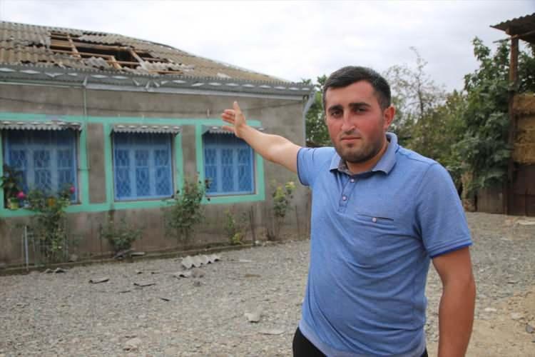 <p>Saldırılara rağmen evlerini terketmediklerini ifade eden Ağayev, Azerbaycan ordusuna güvendiğini vurguladı.</p>  <p></p>