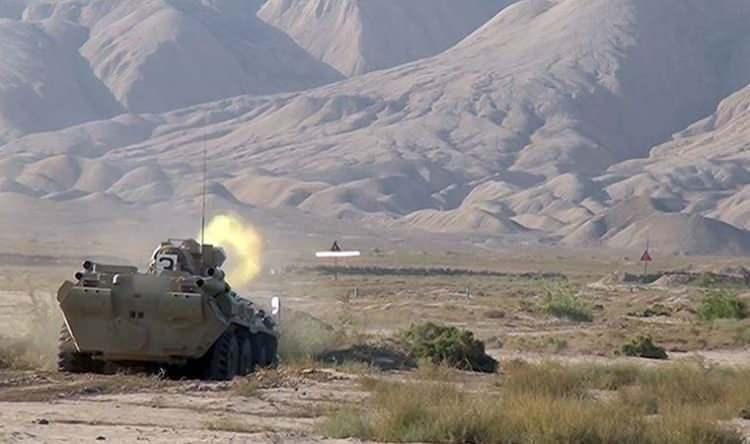 <p>Ermeni güçlerin Azerbaycan sivil yerleşim birimlerine ateş açması akıllara şu soruyu getirdi? 'Ermenistan neyine güveniyor?' İşte en güncel rakamlara göre dünyanın en güçlü askeri sıralamasına göre Azerbaycan ve Ermenistan'ın yerleri ve askeri güçleri...</p>