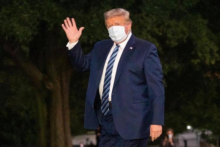 <p>Trump Walter Reed Askeri Hastanesi'ne kaldırıldığında ise koronavirüsün kendini kopyalayıp çoğalmasını önleyen Remdesivir adlı ilacı almaya başladı.</p>  <p></p>