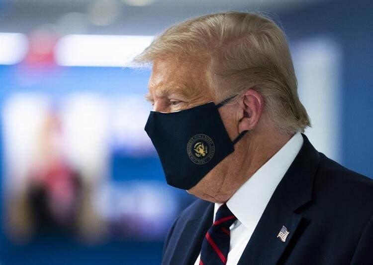 <p>En fazla vaka ve ölümün görüldüğü ABD'de 7 milyon 679 bin 644 kişide Covid-19 tespit edildi, salgın nedeniyle 215 bin 32 kişi hayatını kaybetti.</p>  <p></p>