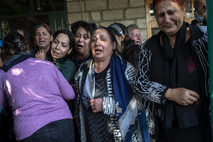<p>Azerbaycanaskerleri, Ermenistan ordusunun saldırı girişimlerini engelledi, kayıp veren Ermenistan askerleri geri çekildi.<br /> <br /> </p>