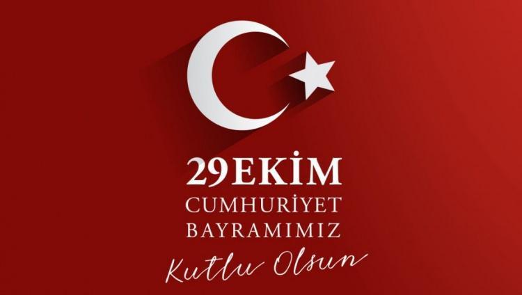 Ünlü isimlerden 29 Ekim Cumhuriyet Bayramı paylaşımları