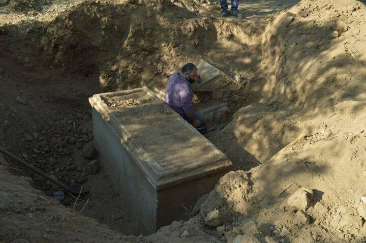 Aydın'da 2 bin 500 yıllık lahitler temizlenince görenler hayran kaldı