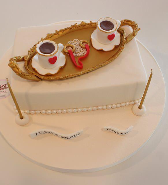 En güzel söz ve nişan pastası modelleri