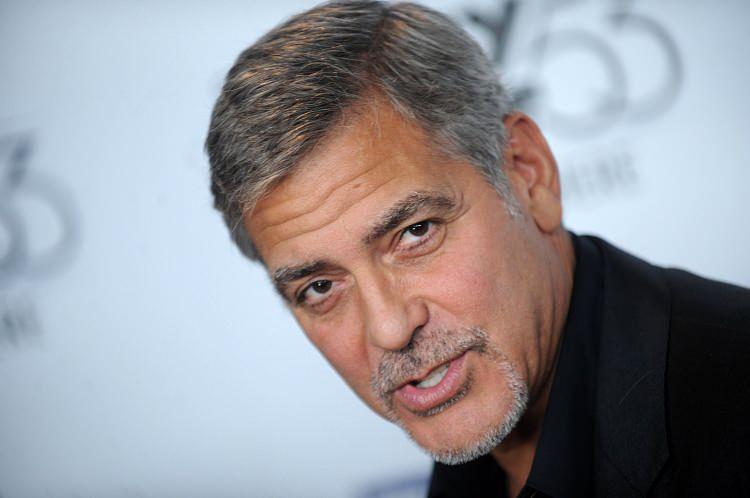 Hollywood yıldızı George Clooney 14 milyon dolarını arkadaşlarına dağıttı!