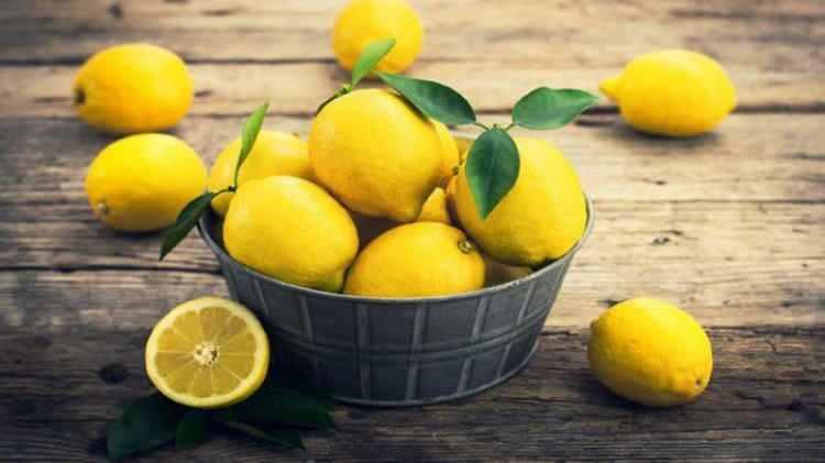 <p><strong>Limon:</strong> Hem antiseptik hem de antioksidandır.</p>