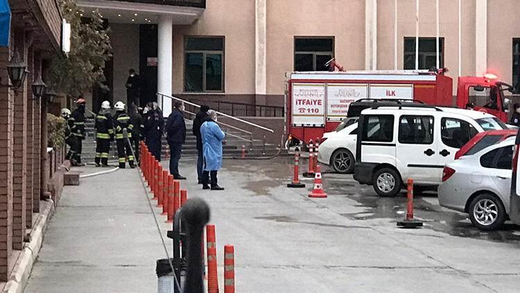 <p>8 ÖLÜ, ÇOK SAYIDA YARALI</p>  <p>Hastane personelinin ilk müdahalesi ve Gaziantep Büyükşehir Belediyesi İtfaiyesinin hızlı çalışması sonucu yangın kısa sürede kontrol altına alınırken yoğun bakım ünitesinde 7, başka bir hastaneye nakil sırasında 1 olmak üzere toplam 8 hasta hayatını kaybetti.</p>