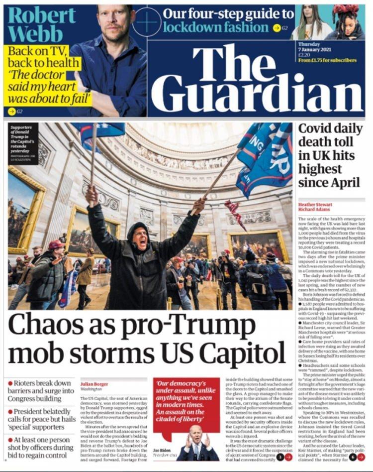 """<p>Guardian gazetesi, haberi """"Trump çetesinin hücumu Kongre'de kaos çıkardı"""" manşetiyle duyurdu.</p>"""