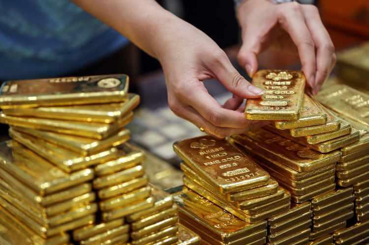 Altın fiyatları kafaları karıştırdı! Dikkat çeken gram altın açıklaması geldi