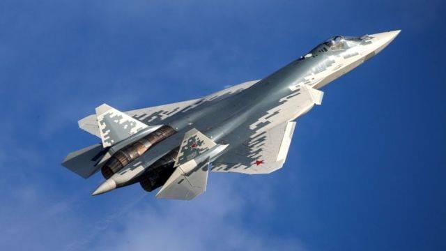 <p>Seri üretim bandından çıkan ilk Su-57, 25 Aralık 2020 tarihinde Rus ordusuna teslim edilmişti. İlk gelen bilgilerde uçağın Karadeniz'e konuşlandığı iddia edilmiş, ancak bu açıklama doğrulanmamıştı.</p>