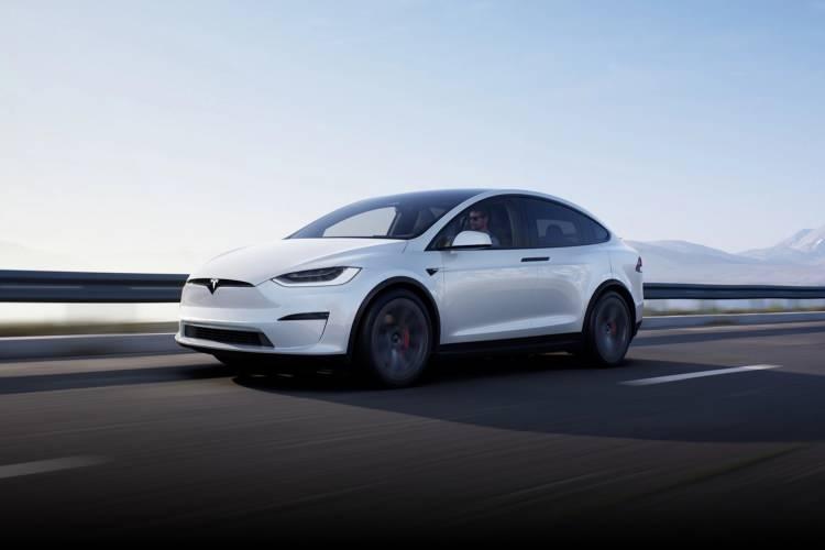Tesla Model S yenilendi! İşte özellikleri