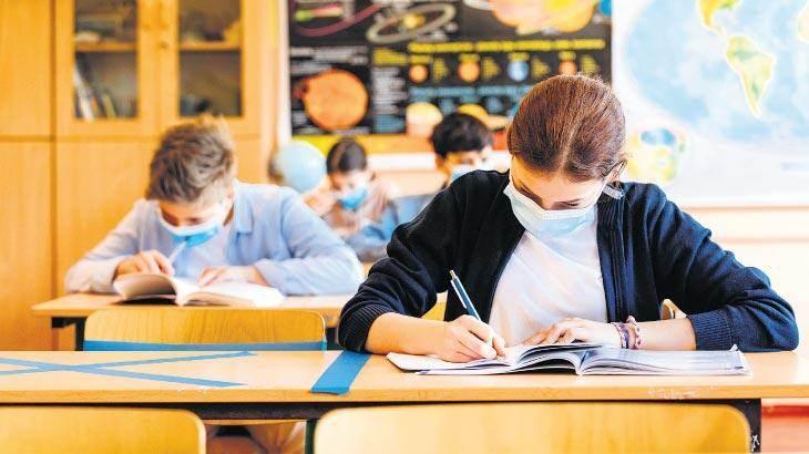 """<p>Sağlık Bakanlığı Bilimsel Danışma Kurulunca """"Covid-19 Salgın Yönetimi ve Çalışma Rehberi""""nde salgın sürecinde okullarda alınması gereken önlemler belirlendi.</p>"""