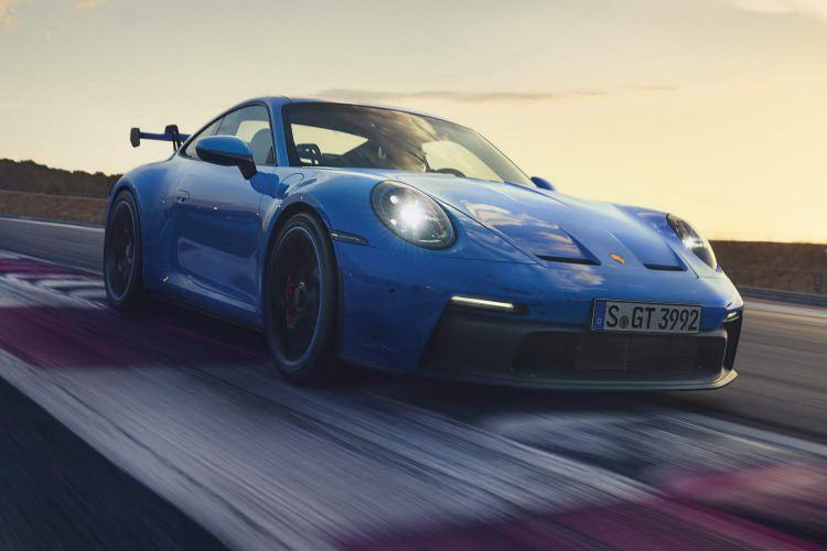 Yeni Porsche 911 GT3 tanıtıldı! İşte özellikleri...