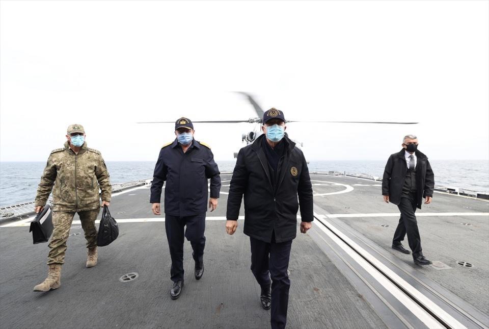 <p>Tatbikata 87 gemi, 27 uçak ve 20 helikopter ile İHA'lar da katılıyor.</p>