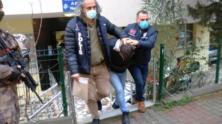 <p>İstanbul merkezli 5 ilde Sedat Peker ve adamlarına yönelik operasyon düzenleniyor.</p>