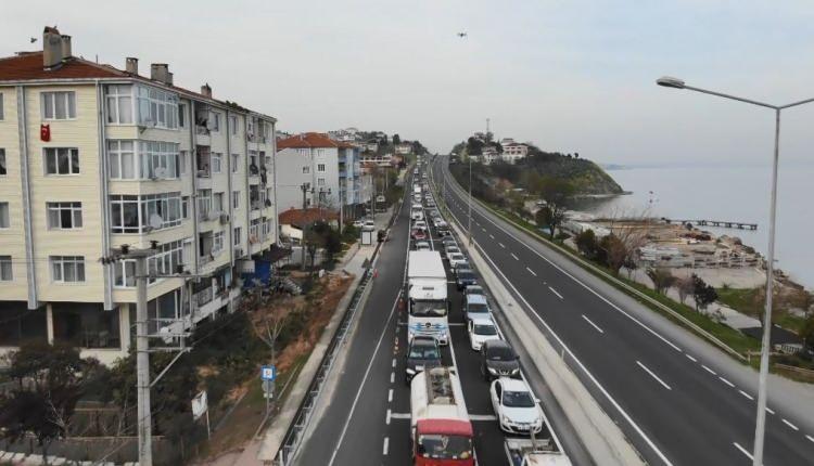 <p>17 günlük kapanmaya saatler kala İstanbul'dan Tekirdağ'a doğru araç yoğunluğu arttı.</p>