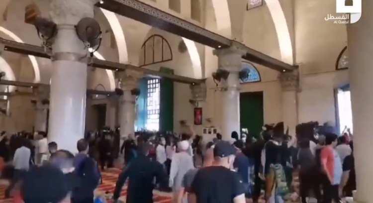 <p>Olaylarda Müslümanların yaralandığı belirtiliyor.</p>