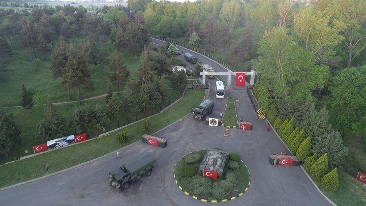 <p>Tatbikata Türkiye, 1 Ocak 2021 tarihinden itibaren 1 yıl süre ile NATO Mukabele Kuvveti Kara Unsur Komutanlığı rolünü üstlenen çok uluslu NATO Kolordusu 3'üncü Kolordu (HRF) Komutanlığı (NRDC-TUR) ve Çok Yüksek Hazırlık Seviyeli Müşterek Görev Kuvveti Kara Tugayı rolünü üstlenen 66'ncı Mekanize Piyade Tugay Komutanlığı birlikleri ile katılım sağlayacak. Ayrıca tatbikatın bu safhasında Bulgaristan, Hırvatistan, Almanya, Gürcistan, Yunanistan, Macaristan, İtalya, Moldova, Kuzey Makedonya, Romanya, İspanya, Ukrayna ve İngiltere yer alacak.</p>