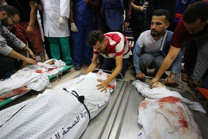 <p>Saldırıda 8'i çocuk, 2'si kadın 10 Filistinli daha şehit düştü.</p>