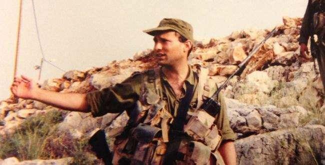 """<p>İsrail ordusunda eski bir komando olan Bennett, """"Ben birçok Arab'ı öldürdüm ve bunda bir problem görmüyorum."""" ifadesinin de sahibi.</p>"""