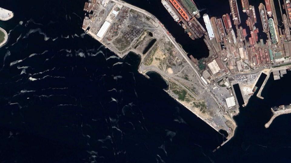 <p>İstanbul Anadolu yakası sahillerinde yoğun müsilaj uzaydan görüntülendi.</p>