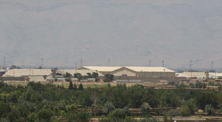 <p>Görev süreleri boyunca ABD başkanları George W. Bush, Barack Obama ve Donald Trump tarafından ziyaret edilen Bagram Hava Üssü, ABD'nin ülkedeki varlığı açısından sembolik bir öneme sahipti.</p>