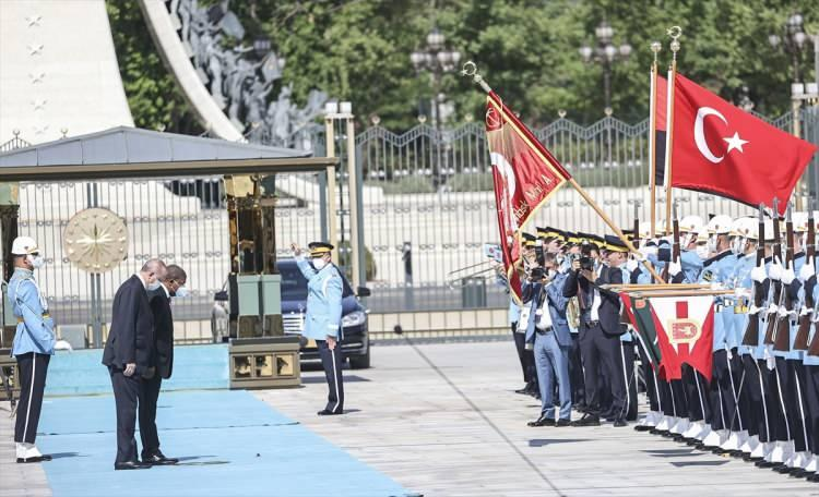 <p>Türkiye Cumhurbaşkanı Recep Tayyip Erdoğan, Türkiye'ye resmi ziyarette bulunan Angola Cumhurbaşkanı Joao Manuel Gonçalves Lourenço'yu resmi törenle karşıladı.</p>  <p></p>