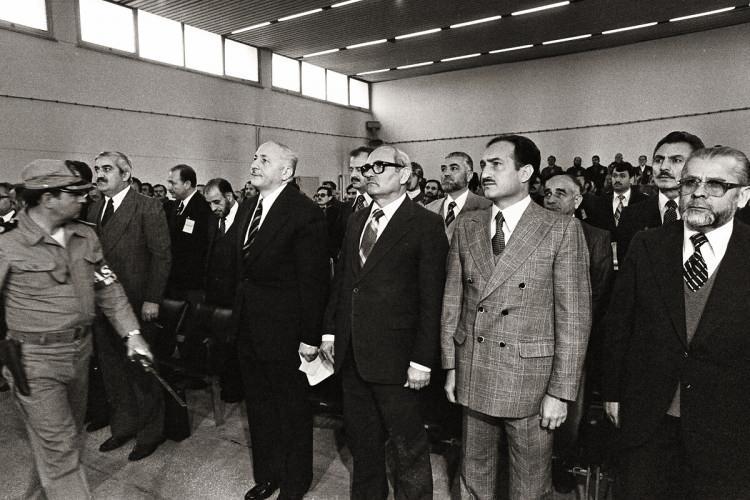 <p>Mamak Askeri Mahkemesinde aralarında genel başkan Necmettin Erbakan'ın da yer aldığı Milli Selamet Partisi yöneticileri yargılandı. (24 Nisan 1981)</p>  <p></p>