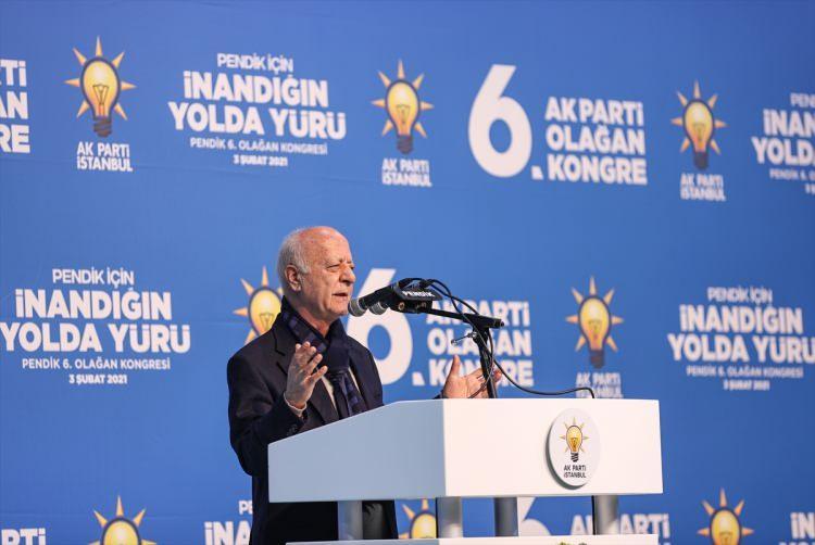 """<p>Aynı fakültede Kelâm Felsefe Anabilim Dalında """"Kuran ve Sünnette Şefaat Kavramı"""" adlı çalışmasıyla yüksek lisansını, İstanbul Üniversitesi İktisat Fakültesi Çalışma Ekonomisi ve Endüstri İlişkileri Anabilim Dalında """"Bir Sosyal Siyaset Kurumu Olarak Ahilik"""" adlı çalışmasıyla doktorasını tamamladı.</p>"""