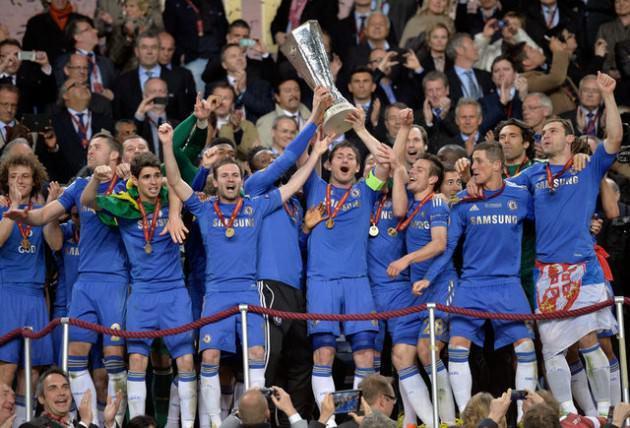 Chelsea kupayı son dakikada kazandı