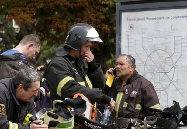 <p>Moskova Belediye Başkanı yardımcısı Pyotr Biryukov, yaptığı açıklamada metro kazasında ölenlerin sayısının 10'a yükseldiğini belirtti.</p>