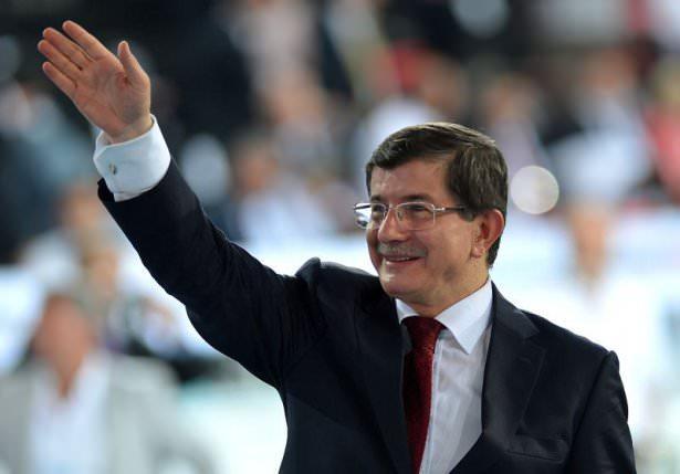<p>Genel Başkan ve Başbakan vekili Ahmet Davutoğlu Cumhurbaşkanı Recep Tayyip Erdoğan ile görüşmesinin ardından yeni kabineyi açıkladı. İşte değişen isimler ve Ak Parti'nin yeni kabinesi...</p>  <p></p>
