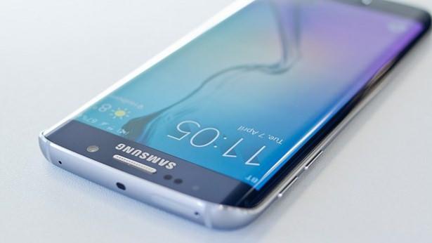 <p>Samsung'un merakla beklenen yeni telefonları Galaxy S7 ve kavisli ekranıyla dikkat çeken Galaxy S7 Edge'in çıkış tarihi belli oldu.</p>