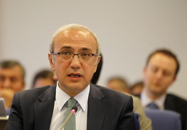 <p><strong>Ulaştırma Bakanı Lütfü Elvan</strong><br /> <br /> 1962 Karaman doğumlu. Maden Yüksek Mühendisi, Ekonomist ve Planlamacı.</p>