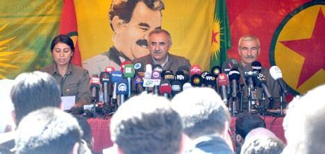 <p>Aralarında yabacı basın mensuplarının da bulunduğu çok sayıda gazeteci Erbil'den karayoluyla Kandil Dağı yakınlarındaki Kandil beldesinde. Kandil'den ilk açıklama geldi.</p>