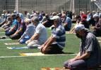 Tokat'ta Cuma namazı stadyumda kılındı