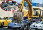 Süper lüks 21 otomobil un ufak edildi