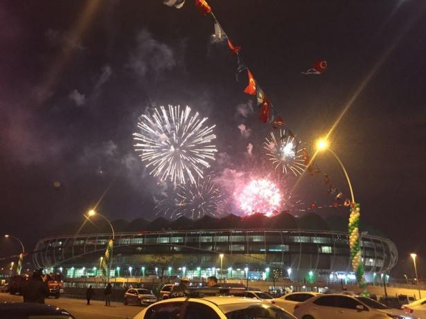 Timsah Arena görkemli törenle açıldı