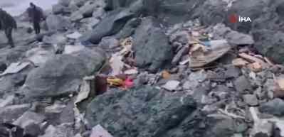 Rusya'da düşen uçaktaki 28 kişiden 19'unun cansız bedenine ulaşıldı