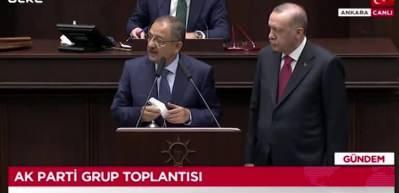 İki belediye başkanı daha AK Parti'ye katıldı! Cumhurbaşkanı Erdoğan rozetleri taktı