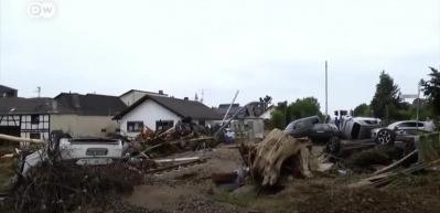 Almanya'da sel mağdurları devlete karşı öfkeli