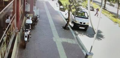 Yolun karşısına geçmeye çalışan yaşlı adam ölümden döndü!