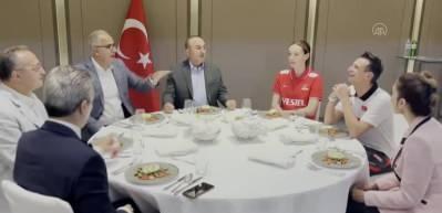 Dışişleri Bakanı Çavuşoğlu'ndan Filenin Sultanlarına moral ziyareti