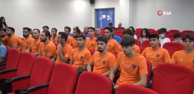 Hatayspor Hentbol Takımı, basın mensuplarına tanıtıldı