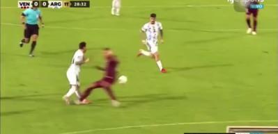Lionel Messi'ye acımasız faul! Futbol dünyasından tepki yağdı