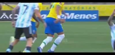 Brezilya-Arjantin maçında tarihi olay! Maç askıya alındı