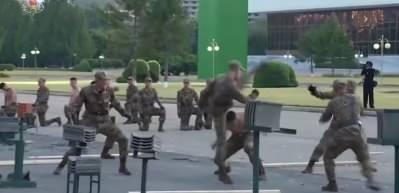 Kuzey Kore'de ordudan olaylı şov!