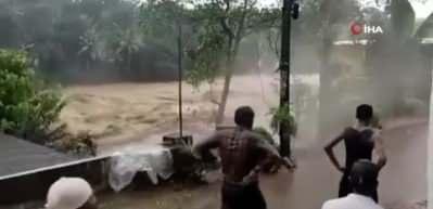 Sel ve toprak kayması: 18 ölü! Korkunç görüntüler
