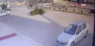 Korkunç kaza! Aracı sollamak isterken direksiyon hakimiyetini kaybetti